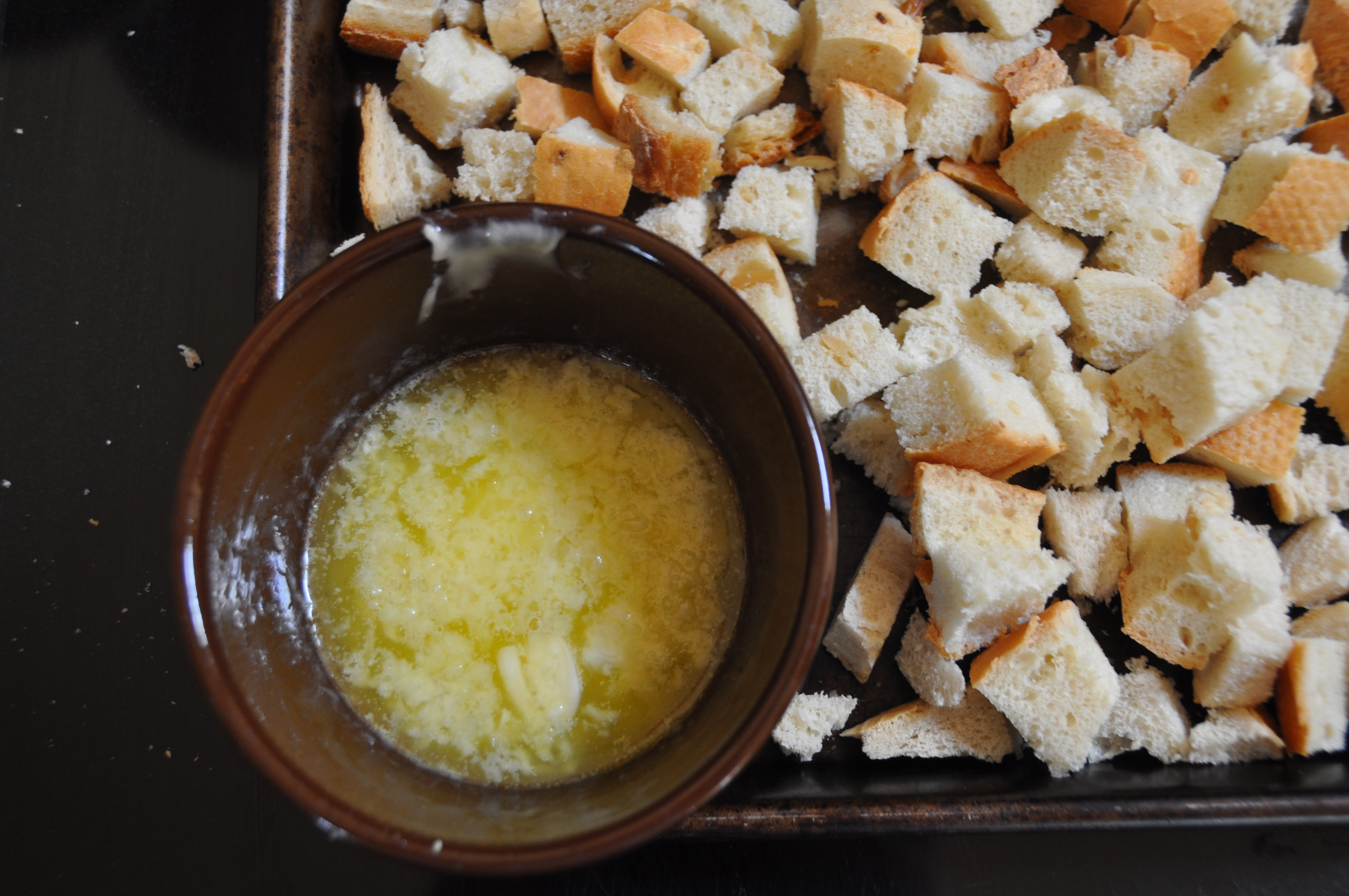 how to make croutons in a pan